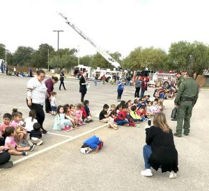 1017 SCHOOL – First responders visit Dilley students2